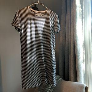 Everlane 100% cotton t-shirt dress, navy stripe